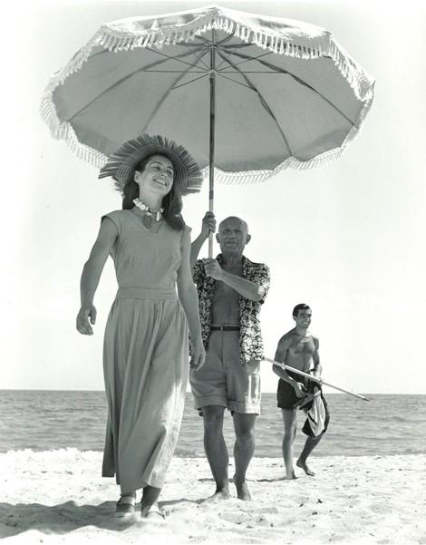 pablo-picasso-robert-capa-1948