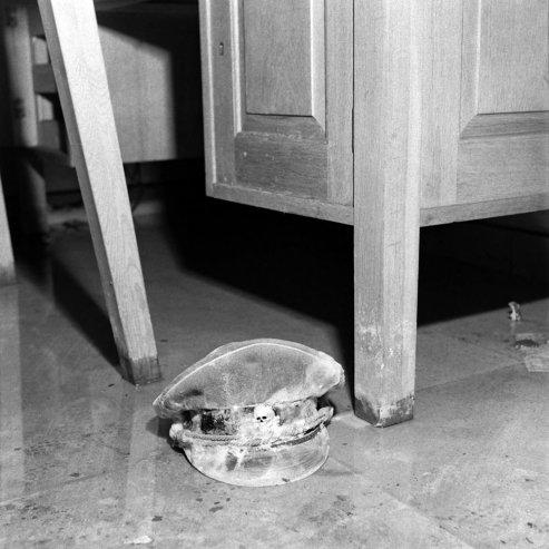 bill-vandivert-berlin-hitler-bunker-1945-03