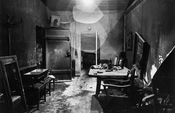 bill-vandivert-berlin-hitler-bunker-1945