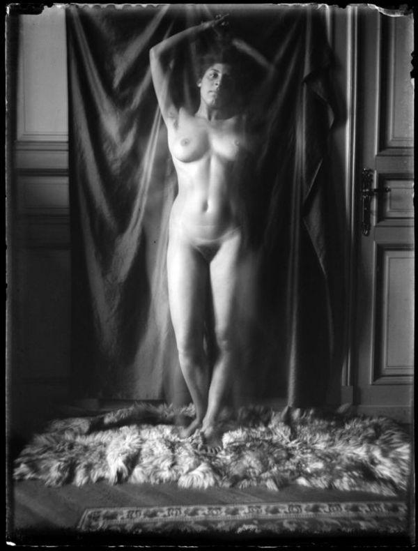 katharina-eleonore-behrend-nude-desnudo-01