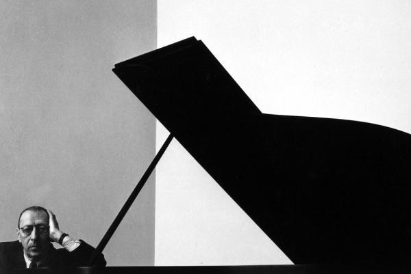 Arnold-Newman-Igor-Stravinsky