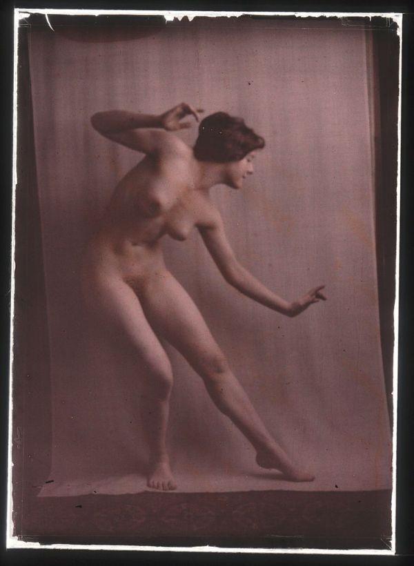 arnold-genthe-Nude_dancer_by_Genthe