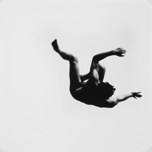 aaron_siskind_levitation01
