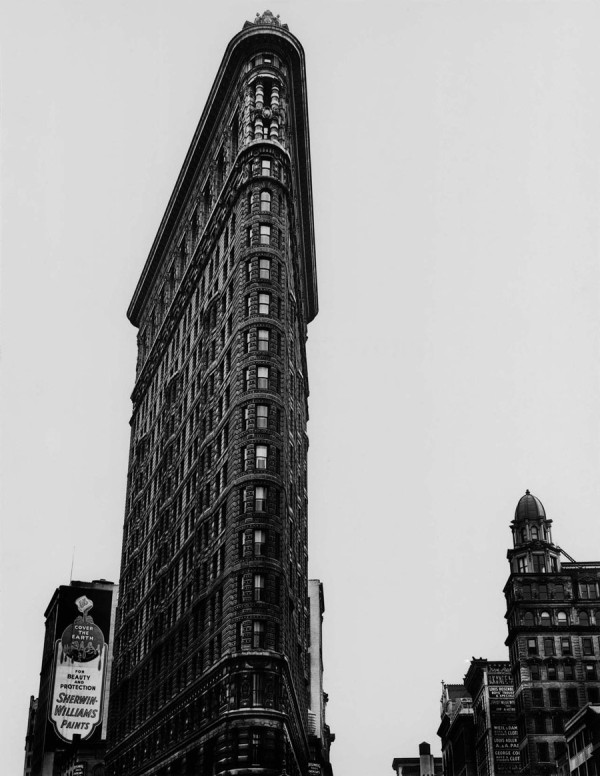 berenice-abbott-flatiron-new-york-1938