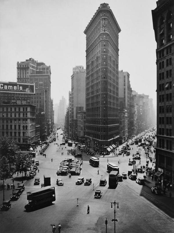 berenice-abbott-flatiron-new-york-1938b