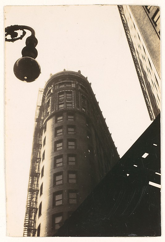 walker-evans-flatiron-new-york-1928